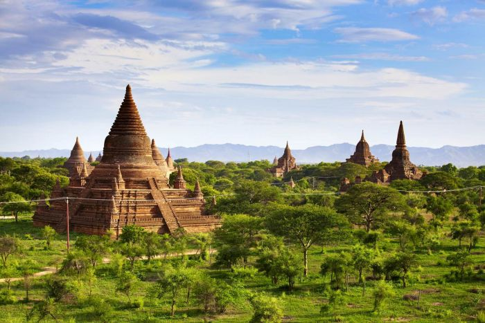 bagan myanmar one of the most beautiful places in the world