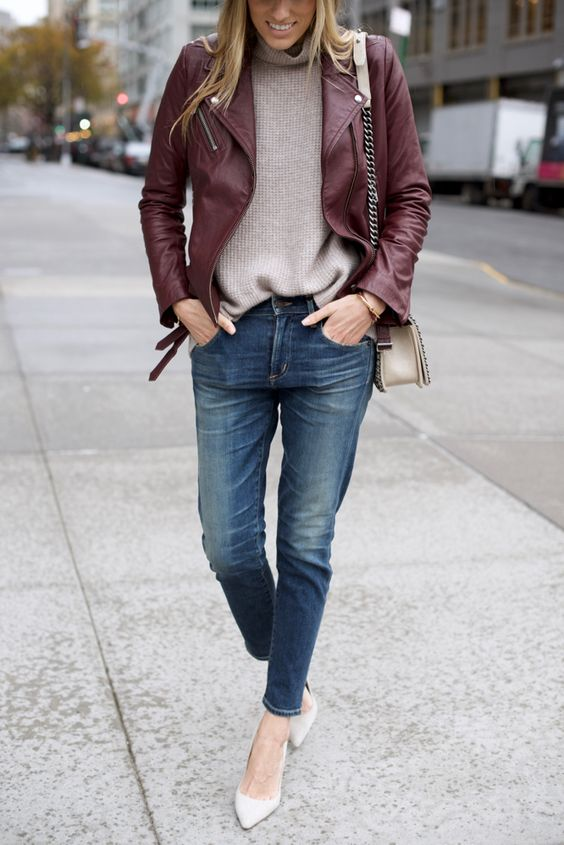 blue girlfriend jeans outfit