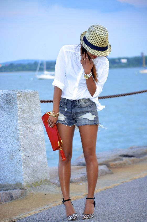 blue mini jeans shorts outfit