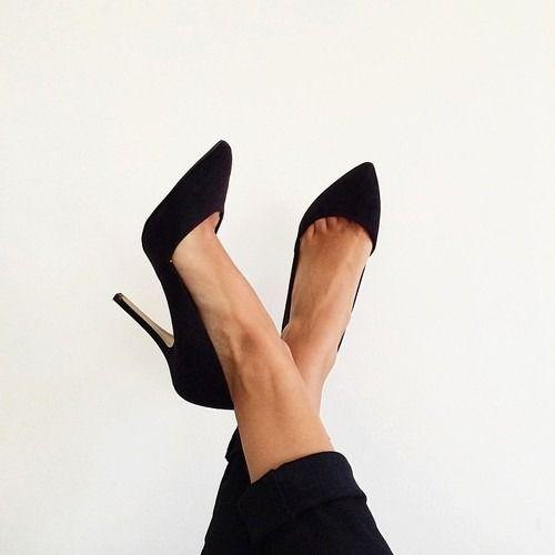 classic black heels shoes