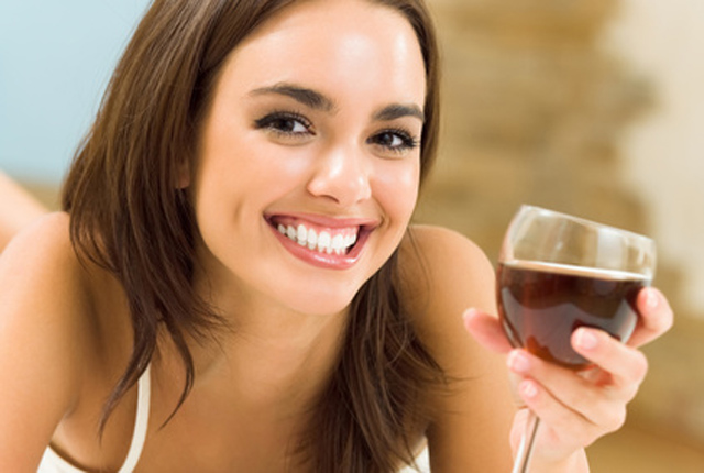 drink a glass of red wine for living longer life