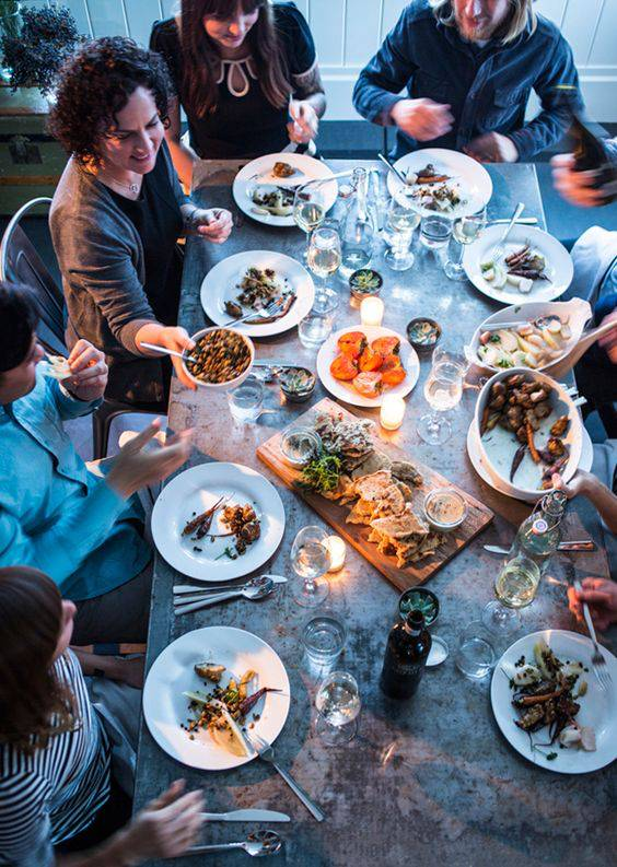eat in good company for living longer life #healthy tips #healthy living #trendypins