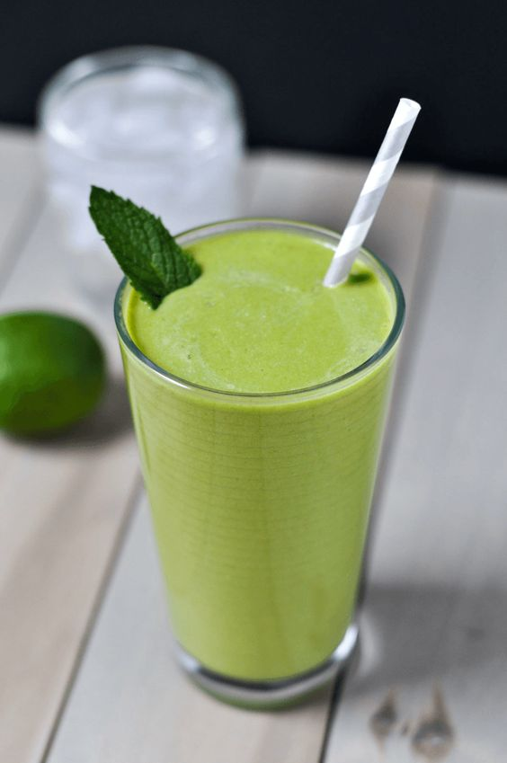 mojito green smoothie for breakfast