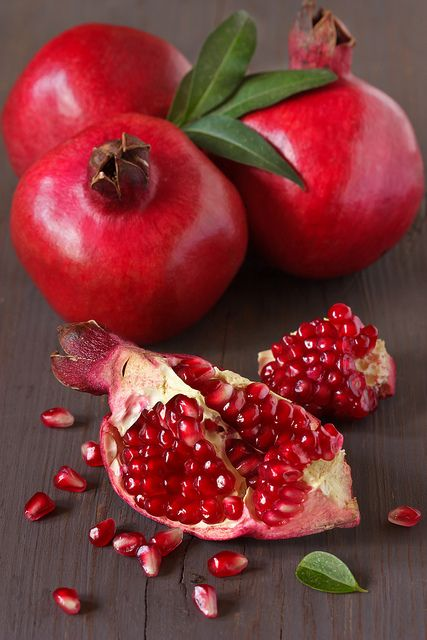 pomegranate for great skin beauty hacks #healthy living #skin care #beauty #trendypins