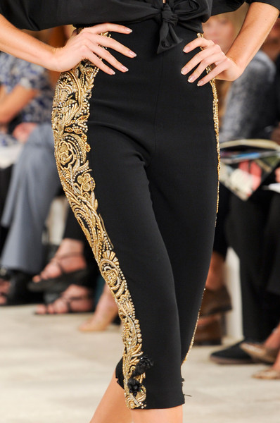 Black toreador pants with gold embroidery #toreadorpants #pants #fashion #trendypins
