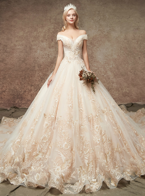 Wedding dress #dresses #fashion #trendypins