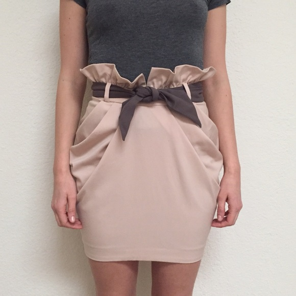 Tulip cowl skirt with a belt #skirt #fashion #trendypins