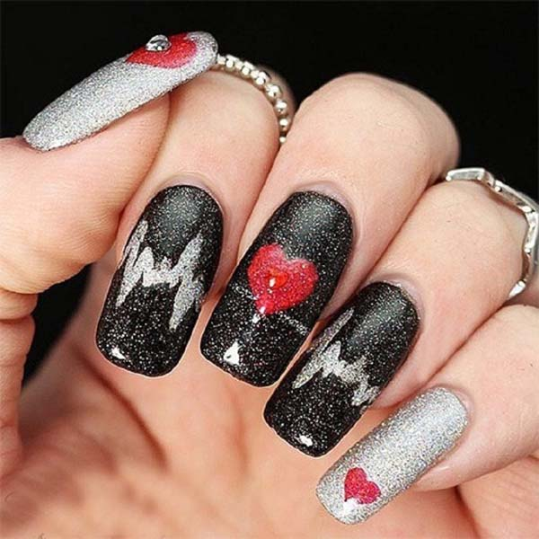 Black nails red hearts  #beauty #nails #trendypins