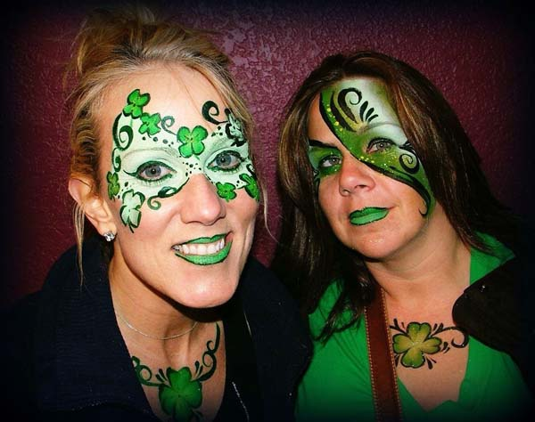 Shamrock mask #St. Patrick's Day face painting #beauty #trendypins