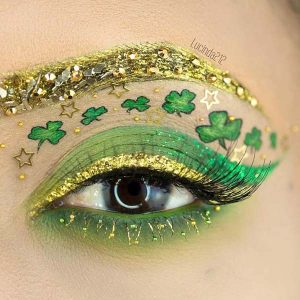 St. Patrick's Day makeup gold eyeliner