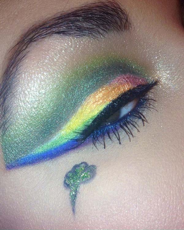 Green + Blue St. Patrick's Day Makeup Looks #beauty #makeup #St. Patrick's Day makeup #trendypins