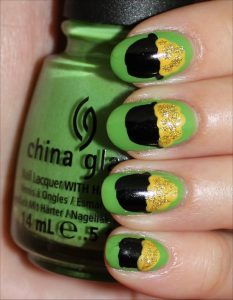 St Patrick's Day Nail Design With Pot Of Gold