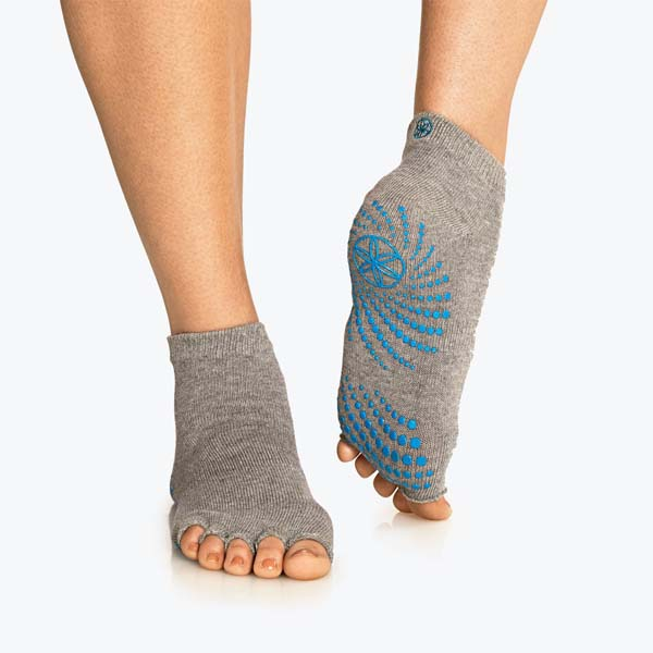 TOELESS YOGA SOCKS #yoga socks #socks #fashion #trendypins