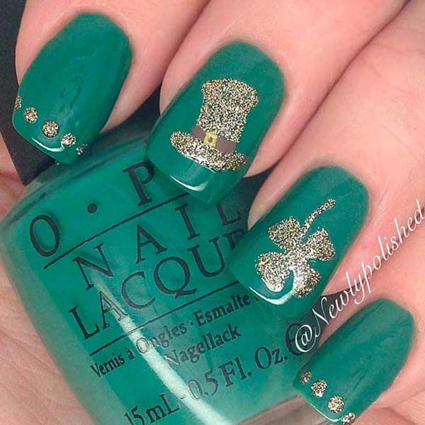 St patricks day nails gold glitter hat #St. Patrick's Day nails #nails #beauty #trendypins