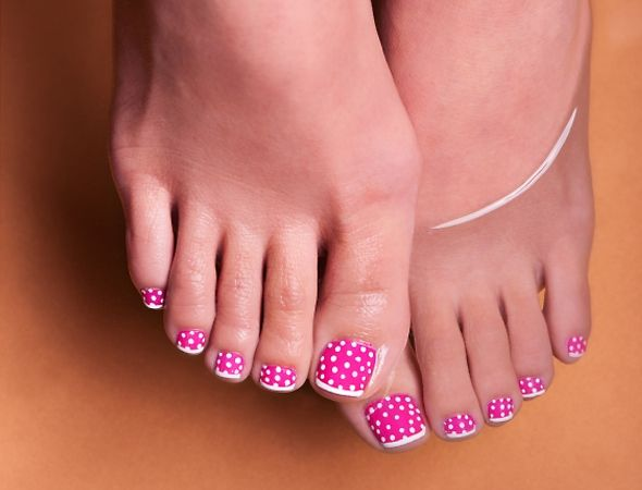 Extravagant Dot Toe Nail Art #toe nail art #nails #beauty #trendypins