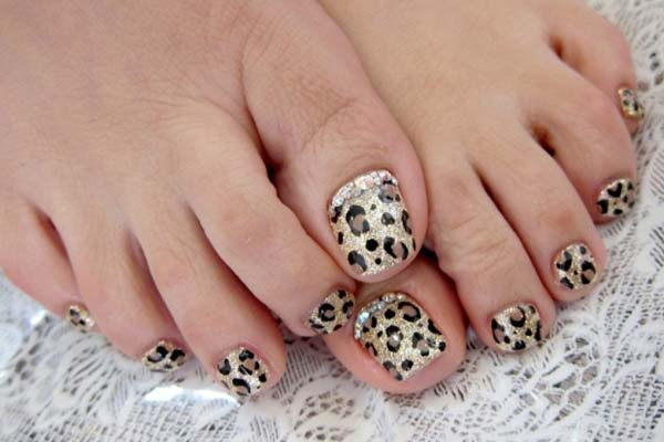 Leopard Design On Toes #toe nail art #nails #beauty #trendypins