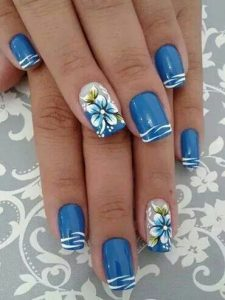 Blue and white wave nails