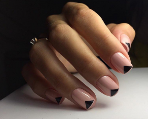 V-shaped french manicure