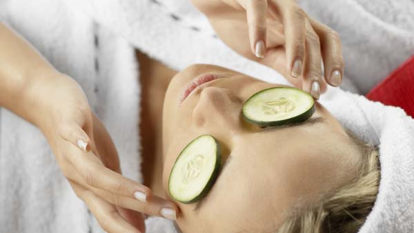 Cucumber To Get Rid Of Dark Circles Under Eyes #dark circles under eyes #beauty #trendypins