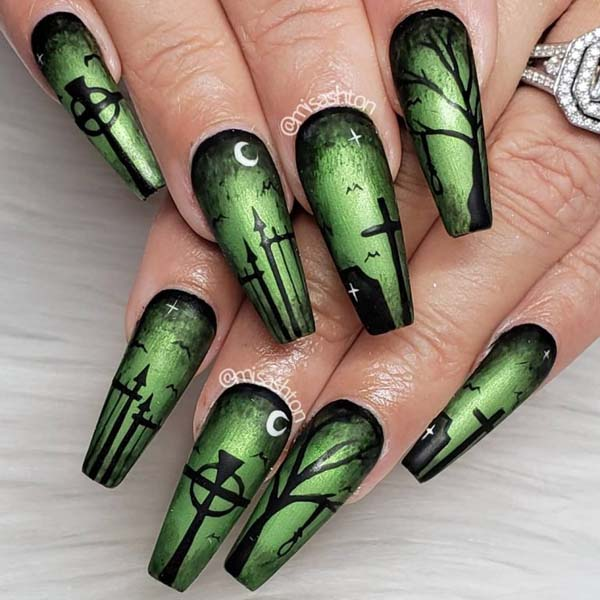 Green and Black Halloween Shellac Nails #nails #Halloween nails #trendypins