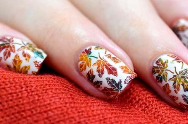 Autumn Leaves In Brownish-Red On White Matte Nail Polish #nails #fall nails #beauty #trendypins