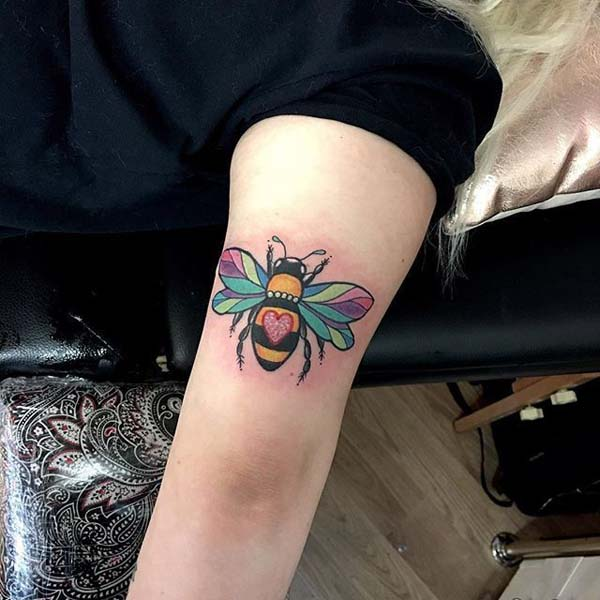 Amazing Rainbow Bee #bee tattoos #tattoo #beauty #trendypins