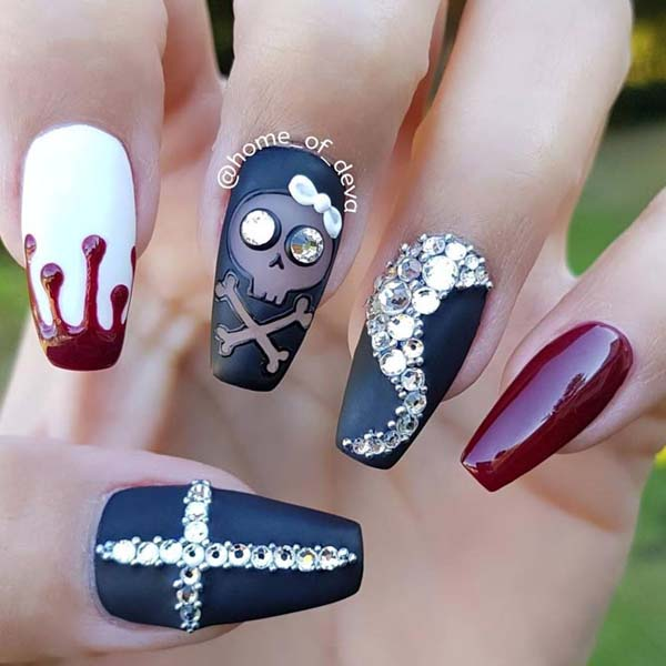 Glamour Halloween Nails Art Designs #nails #Halloween nails #trendypins