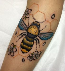 Neotraditional Bee Tattoo Designs