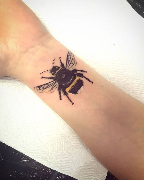 Cute and Realistic Honeybee Tattoo #bee tattoos #tattoo #beauty #trendypins