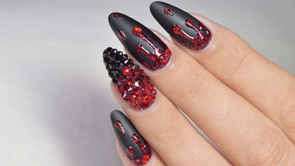 Cristal Red on Black Matte Base #nails #Halloween nails #trendypins