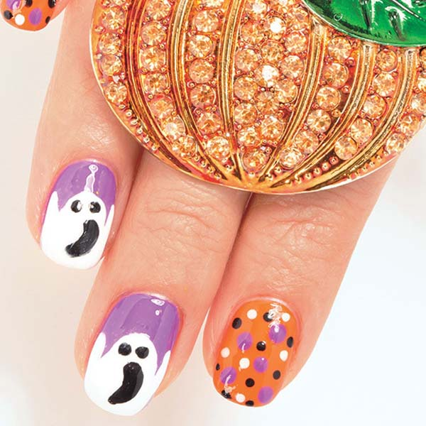 Ghosts in Purple Halloween Nail Design #Halloween #nails #trendypins