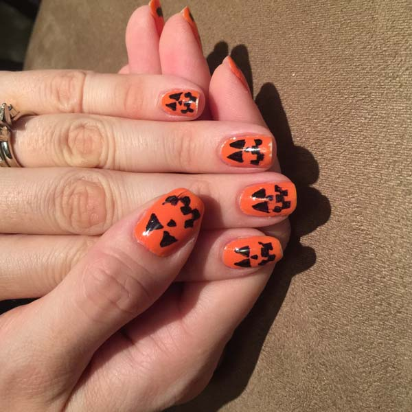 Nail O' Lanterns #Halloween #nails #trendypins