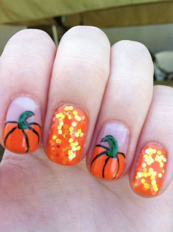 Nails from the Pumpkin Patch #Halloween #nails #trendypins