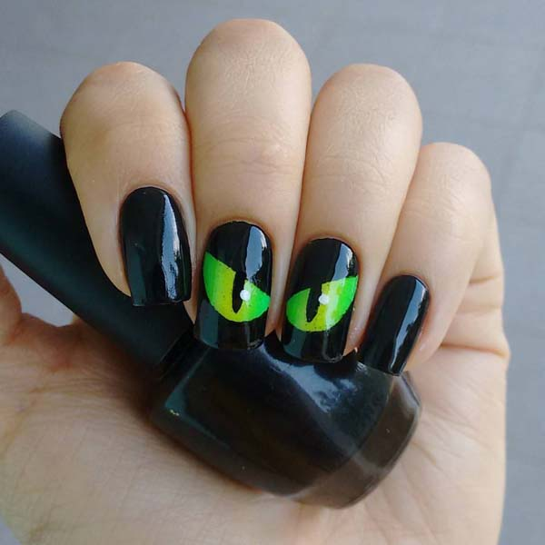 The Mysterious Eyes of a Cat Ideas #nails #Halloween nails #trendypins