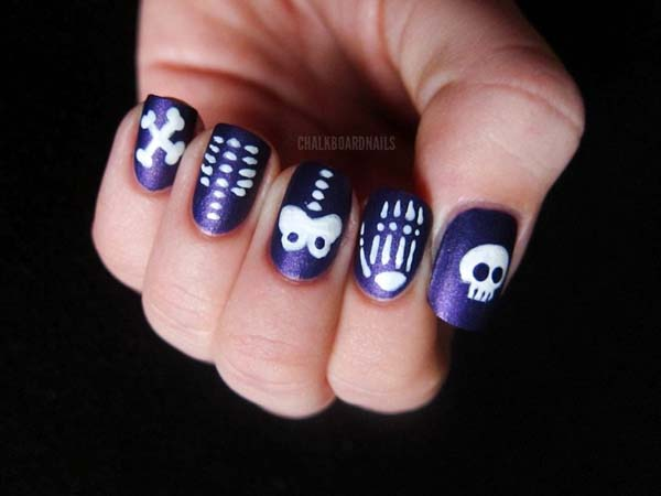 Easy Sparkly Skeletons For Halloween Nails #Halloween #nails #trendypins
