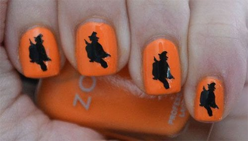 Cute Flying Witch Nail Art Halloween Nails #Halloween #nails #trendypins