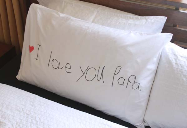 """I Love You"" Pillowcase #DIY #Christmas #gifts #trendypins"