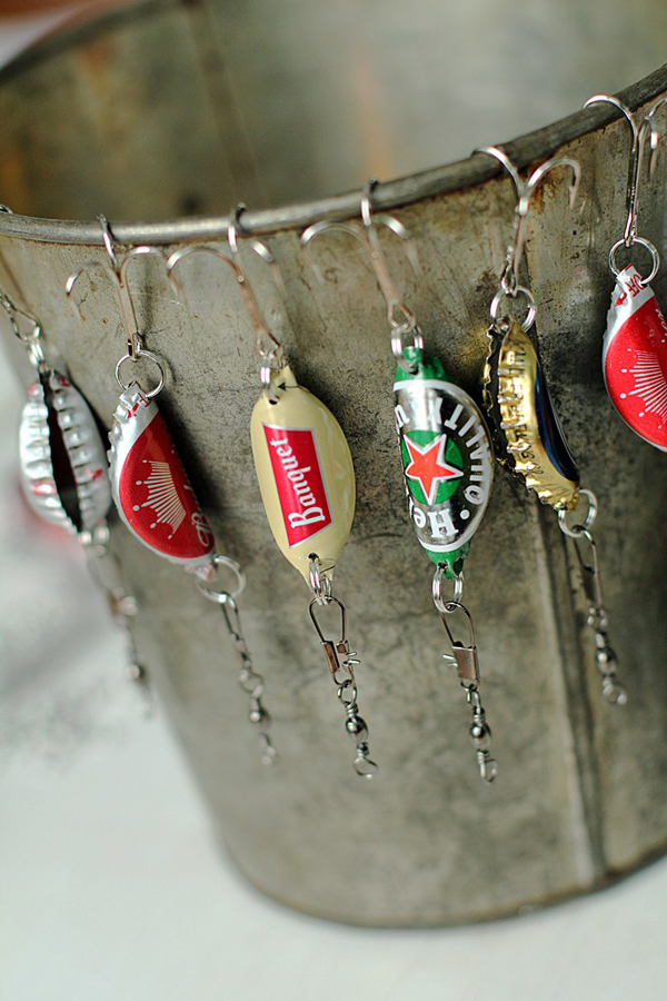 Bottle Cap Fishing Lures #DIY #Christmas #gifts #trendypins