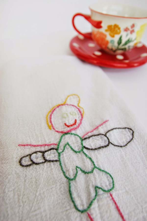 Child's Drawing Embroidered Hand Towel #DIY #Christmas #gifts #trendypins