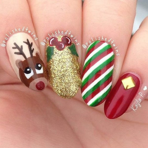Christmas Colored Nails with a Reindeer #Christmas #nails #trendypins