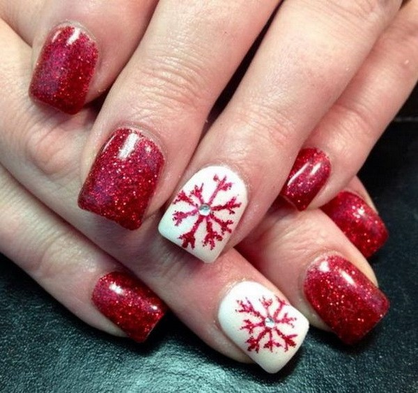 Christmas Festive Red and White Nails #Christmas #nails #trendypins