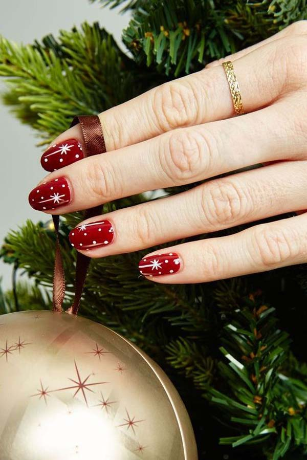 Christmas Stars on Red Base #Christmas #nails #trendypins