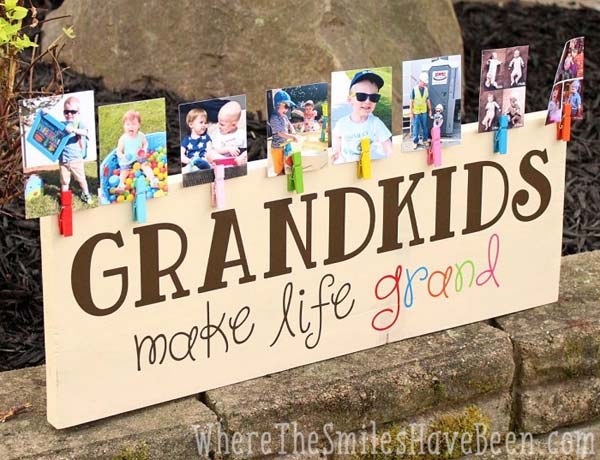 Colorful Grandkids Make Life Grand Wood Sign Photo Display #DIY #Christmas #gifts #trendypins
