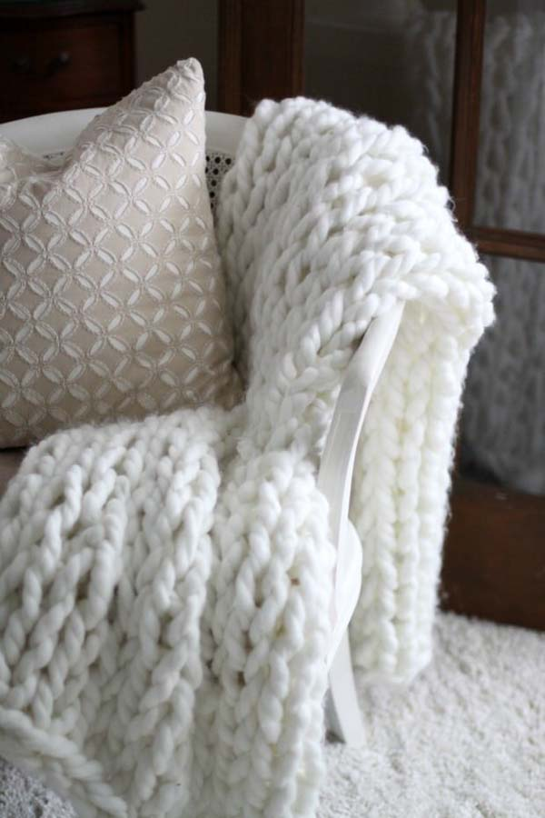 DIY Chunky Throw Blankets #DIY #Christmas #gifts #trendypins