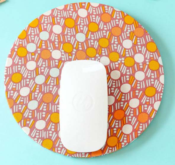 DIY Fabric Mouse Pad #DIY #Christmas #gifts #trendypins