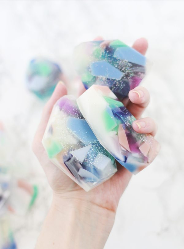 Gemstone Soap DIY #DIY #Christmas #gifts #trendypins