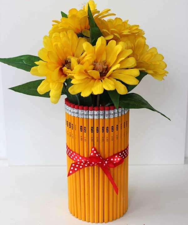 DIY Pencil Vase #DIY #Christmas #gifts #trendypins
