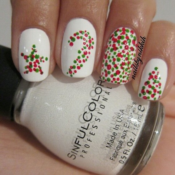Dotted Christmas Nail Design #Christmas #nails #trendypins