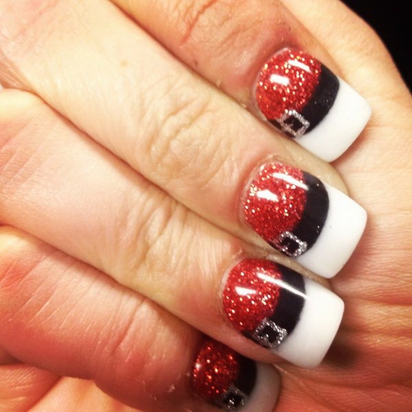 Glittering Nails with Santa Claus' Belt #Christmas #nails #trendypins