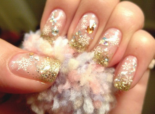 Gold Glitter Beaded Christmas Nails #Christmas #nails #trendypins